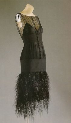 Vintage 1920's Chanel. by Mmcroc French Fashion Designers, Chic Outfits, Fashion Outfits, Vintage Outfits, Vintage Fashion, Vintage Style, 1920s Dress, Vintage Chanel, Frocks