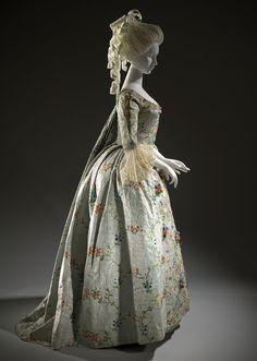 Georgian silk robe à la française with moiré finish [Dutch], c. 1775 {side view}