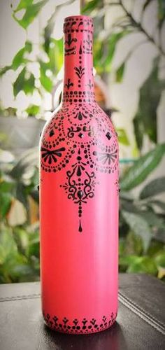 Decorated Wine Bottle Moroccan Style by DelightfulScentz on Etsy Wine Bottle Design, Wine Bottle Art, Diy Bottle, Wine Bottle Crafts, Mason Jar Crafts, Painted Glass Bottles, Painted Jars, Recycled Glass Bottles, Bottle Painting