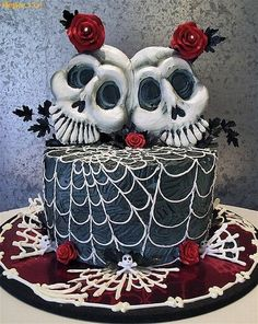 this would make a great gothy wedding cake