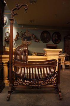 New Baby Cribs Antique Children Ideas Victorian Furniture, Unique Furniture, Vintage Furniture, Cheap Furniture, Nursery Furniture, Kids Furniture, Furniture Buyers, Muebles Estilo Art Nouveau, Baby Cribs