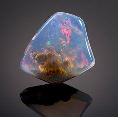 この世のものとは信じがたい「魔法の世界の空」を宝石に閉じ込めたオパール 3種