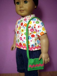How to Make a Purse for Your American Girl Doll: 8 steps Sewing Doll Clothes, Sewing Dolls, Girl Doll Clothes, Girl Dolls, Ag Dolls, All American Doll, American Girl Crafts, American Girl Clothes, Crafts For Girls