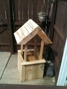 Well flower planter from old pallets