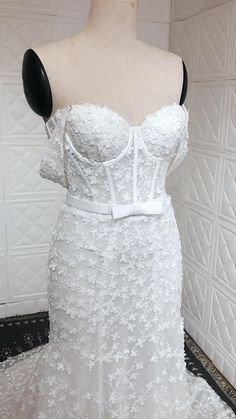 Off the shoulder sleeves and a structured bodice from the Hayden fit and flare silhouette dress is perfect for brides who want a charm, elegant and modern bridal gown 2021 2022 Fit And Flare Wedding Dress, Custom Wedding Dress, Wedding Gowns, Lace Bride, Bohemian Bride, Dress Silhouette, Hampshire, Bridal Style, Floral Lace