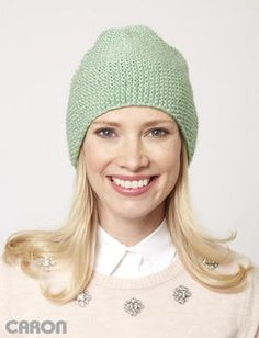 The soft and versatile Spring Meadow Seed Stitch Beanie is the perfect topper for the unpredictable days of spring. This beginner knitting pattern is ideal for someone who wants to try their hand at a knit beanie.