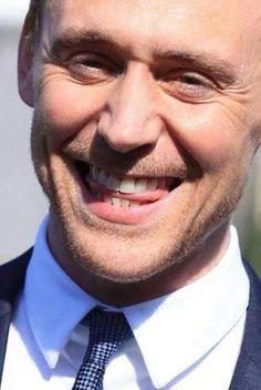 Tom Hiddleston. :D