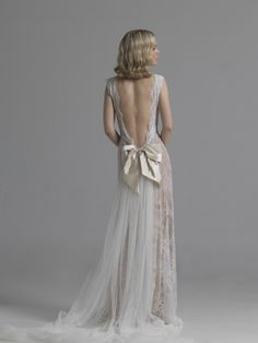 http://www.living-postcards.com/category/chic-and-greek/le-spose-di-elena-bridal-atelier-run-elena-soulioti#.UzB8Kvl_srU Elena Soulioti designs so elegant bridal dresses...