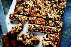 How to Feed a Family: Kitchen sink granola bars