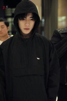 Mặt này mà đóng vai phản diện thì thôi rồi Jackson Yi, Im Falling, The North Face, Crushes, My Love, Boys, Idol, Wallpaper, Fashion