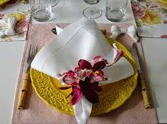 Resultado de imagem para mesa posta amarela