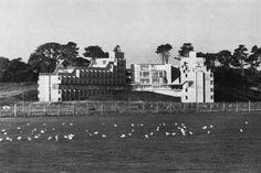 Andrew Melville Hall, University of St. Andrews, Scotland, 1964. James Stirling