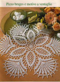 Needlework knittings: knitting by a hook // Natali Yaxont Crochet Doily Patterns, Thread Crochet, Crochet Designs, Crochet Stitches, Crochet Dollies, Crochet Lace, Free Hand Rangoli, Crochet Tablecloth, Crochet Round