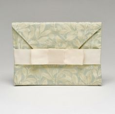 Green Leaf Envelope - great for giving money, cards, or gift certificates at a wedding or engagement!