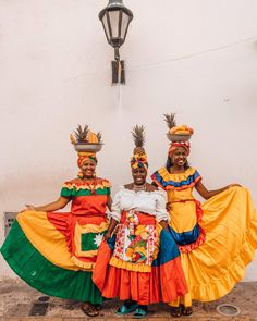 Best Things To Do In Cartagena de Indias, Colombia - That Life Abroad Nature Photography Tips, Ocean Photography, Portrait Photography, Wedding Photography, Columbian Girls, Colombian Culture, Stuff To Do, Things To Do, Colombia Travel