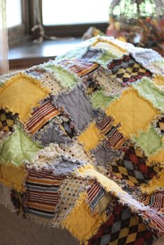 """Love these """"rag"""" type quilts. Just says comfy-cozy-warm."""