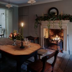 We are within the midst of Christmas and we were thrilled to be asked by the Saturday Telegraph how we create a county-house Christmas in the city. Cosy Dining Room, Dining Area, Dining Table, Dining Room Fireplace, Fireplace Ideas, Dining Rooms, Cottage Interiors, Decoration Design, Country Decor