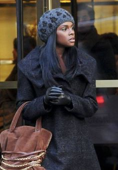Tika Sumpters hat hairstyles hair-and-beauty Gossip Girl Fashion, Diva Fashion, Gossip Girls, Elle Varner, Tika Sumpter, Black Leather Gloves, Black Goddess, Beauty Illustration, Canadian Actresses