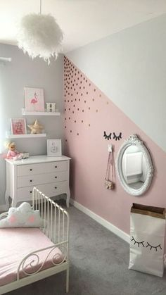 House Warming Teen Bedroom Ideas - Develop an area loaded with individual expression, inspired by these teen space suggestions. Whether kid or lady, filter through and find a design that fits. Small Room Bedroom, Gray Bedroom, Bedroom Colors, Bedroom Decor, Bedroom Ideas, Bedroom Girls, Girl Rooms, Small Rooms, Small Spaces