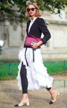 Street Style: Paris Fashion Week Spring 2016 - in my opinion this is the coolest right now. Dress over pants but styled in a very sophisticated way. This look is and the colour block ties it all together. Fashion Week, Look Fashion, Spring Fashion, Womens Fashion, Fashion Trends, Paris Fashion, Net Fashion, Fashion Black, Street Style Chic