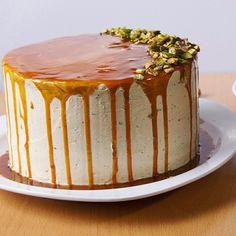 Torta de especias, crema de pistachos y caramelo. Cali-Colombia Cali Colombia, Vanilla Cake, Cheesecake, Desserts, Food, Pistachio, Spice, Candy, Cream