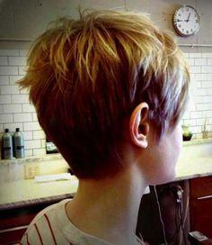 Cool back view undercut pixie haircut hairstyle ideas 49
