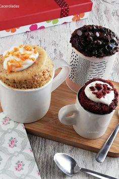 Mug Dessert Recipes, Mug Recipes, Cake Recipes, Desserts, Eat Seasonal, Cheesecake Cake, Microwave Recipes, Pastry And Bakery, Mini Cheesecakes