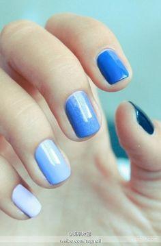 gradient of blue