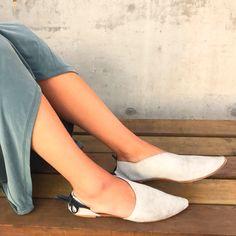 Rilee Shoes ~ Asymmetrical Side Cut Women's Modern Gray Leather Pointy Toe Flats ~ 38 7.5 8 Bow by RileeShoes on Etsy https://www.etsy.com/listing/539585371/rilee-shoes-asymmetrical-side-cut-womens