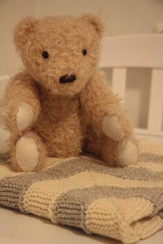 Tuntematon Tuunaaja: 10 silmukan viltti vauvalle Teddy Bear, Toys, Crafts, Animals, Animales, Animaux, Crafting, Gaming, Animais