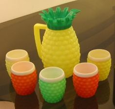 For the tiki bar: cute vintage plastic pineapple drink set from the Vintage Love, Retro Vintage, Vintage Items, Vintage Tiki, Vintage Party, Vintage Kitchenware, Vintage Glassware, Hawaian Party, Pineapple Drinks