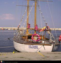Barcuta in portul Tomis