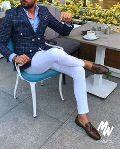 You need a watch thats fits perfectly to an outfit like this? Check out our gentlemans watchstore: w Blazer Outfits Men, Komplette Outfits, Casual Outfits, Fashion Outfits, Work Outfits, Fashion Trends, Terno Casual, Mode Bcbg, Mens Fashion Suits