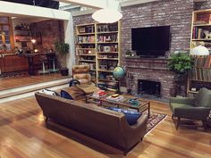 Designing Dev's Apartment from Master of None: An Interview on Decorating Your Place with Emmy Award Winning Production Designer Amy Williams   Primer