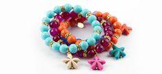 Armbänder aus verschiedenen Edelsteinen und vergoldetem Sterlingsilber. FS2014.