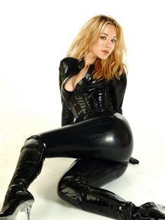 Kaley Cuoco in skin tight leather ...