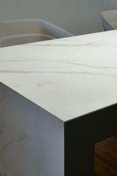 2017 SIRT Torino/Italy    Top: Laminam 12  Design: Marco Luciano Goodfor Cava, Calacatta Oro Venato Soft Touch - Ossido, Bruno 1620x3240mm