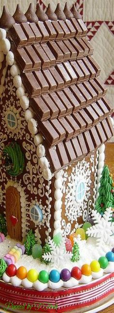 ~❤~ gingerbread house w Hershey bars as roof shingles