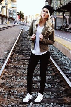 Chic College Girl Fashion Outfits (74)