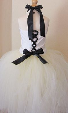 This is the back of that gorgeous tutu dress