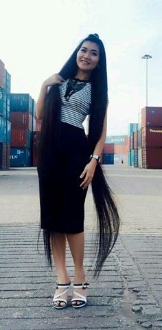 R Dress Up, High Neck Dress, Super Long Hair, Dream Hair, Asian Woman, Chinese, Floor, Long Hair Styles, Inspired