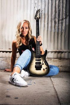 Nita Strauss Named First Female Ibanez Signature Artist! Heavy Metal Girl, Heavy Metal Bands, Heavy Rock, Poses, Nita Strauss, Musician Photography, Angus Young, Women Of Rock, Rocker Girl