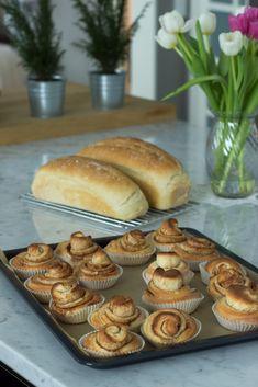 Korvapuustit herkulliset klassikkopullat Sweet Recipes, Muffin, Breakfast, Food, Breakfast Cafe, Muffins, Essen, Yemek, Meals
