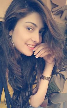 Pretty Pakistani actress Ayeza Khan
