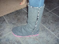 RePurposed Flip-flops (tongs) + Fleece and faux fur = Cute and comfy boots!