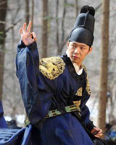 [Eric's Picks] Historical Hotties, Pt. 2 - Kings and Princes   http://www.allkpop.com/article/2016/03/erics-picks-historical-hotties-pt-2-kings-and-princes