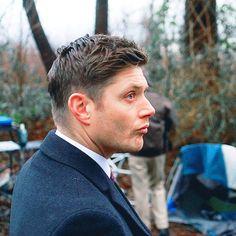 "sanguis-potestas-est: "" Dean ►Somewhere Between Heaven and Hell "" Jensen Ackles Supernatural, Supernatural Imagines, Winchester Supernatural, Supernatural Fandom, Mens Hairstyle Images, Sams Hair, Daneel Ackles, Supernatural Pictures, Secret Photo"