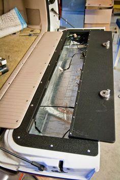 wagongear.com » 100 Series Tailgate Lid Installation