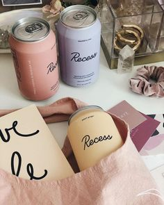 Trending brands and branding for design, colors, layout and mood boards for your brand. Design Typography, Graphic Design Branding, Lettering, Logo Design, Design Food, Web Design, Packaging Design Inspiration, Graphic Design Inspiration, Colour Inspiration