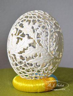 moje strusie jajo - pisanka strusia hand carved ostrich egg this ostrich egg made by Bogusława Justyna Goleń Ażurowe Pisanki